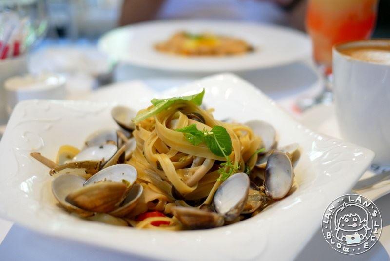 西屯約會餐廳 【aqua水相餐廳法義料理】免費起司麵包吃好吃滿 台中壽星優惠