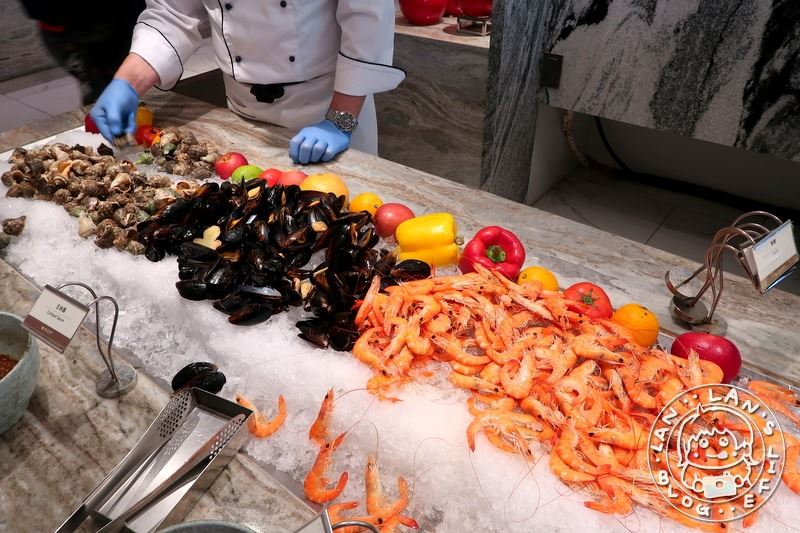 板橋buffet吃到飽 【板橋凱薩大飯店朋派自助餐】半價!中午特價490元 大概就490品質……