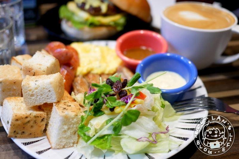 江子翠輕食早午餐 【午號出口Brunch】平價不貴早午餐 漢堡 餐盤