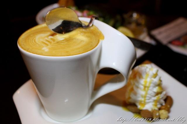 東區咖啡弄.JPG