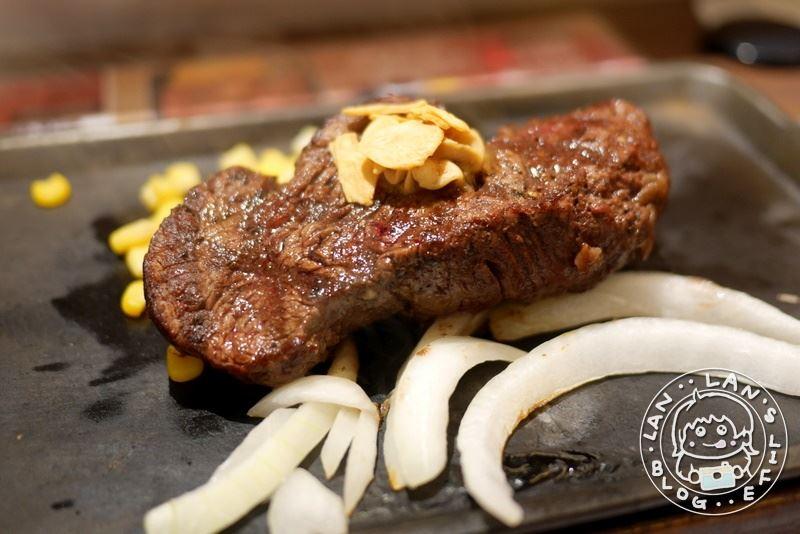京都牛排 【IKINARI Steak】京都河原町三条店 京都人氣立食牛排 午餐300台幣起 秤重牛排