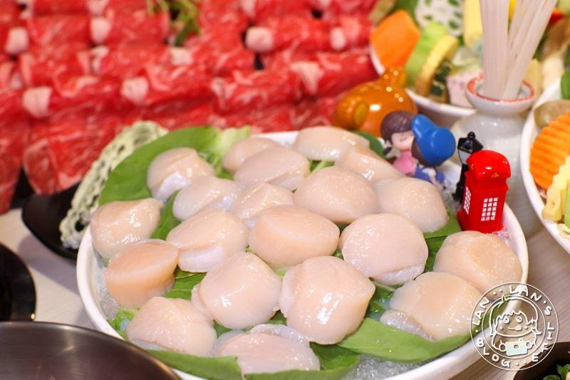 新莊火鍋 【莊涮鍋物料理】30顆干貝超滿足!還有25盎司霜降牛!幾歲就送您幾隻蝦
