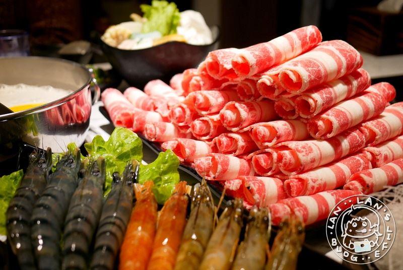 中和火鍋 【金鍋盃中和店】中和寵物友善餐廳 高品質海鮮肉品 永安市場火鍋