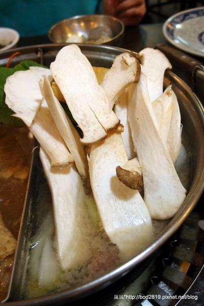 大味王:【台北萬華】大味王-非常便宜的火烤兩吃吃到飽,食材不少,肉類選擇也多!大口吃肉好地方