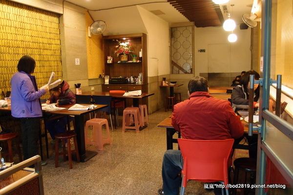 金宴小館:【台中潭子】金宴小館-尋常小吃店,牛肉麵挺便宜的
