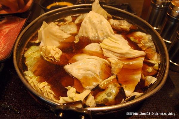 潮肉壽喜燒:【台北南港】潮肉壽喜燒-多元化的壽喜燒吃法,讓你吃不膩!吃完還可以逛逛五分埔喔