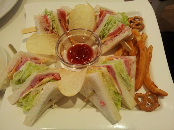 Oyami cafe: 【西門町】Oyami cafe 女孩的夢幻下午茶店