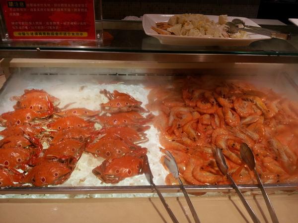 漢來海港自助餐廳:【台中廣三SOGO】漢來海港自助餐廳 下午茶 買餐券還挺划算的!