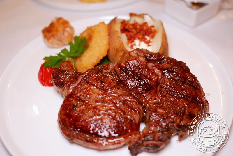 台北約會餐廳推薦 【台北晶華酒店 ROBIN'S 牛排屋】精緻沙拉吧輕食甜點吃到飽