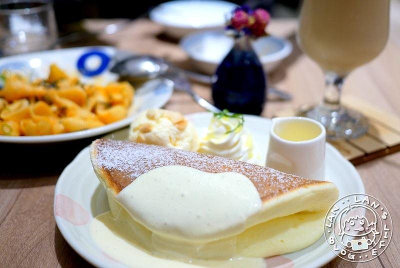 台北車站鬆餅 【屋莎鬆餅屋】京站必吃美食 雲の鬆餅 台北車站下午茶推薦
